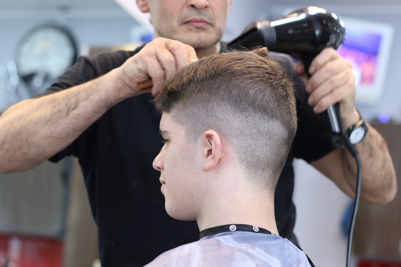 barber hairstyling